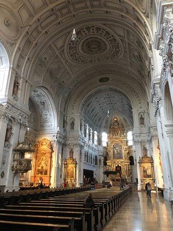 Michaelskirche in Munich (2)