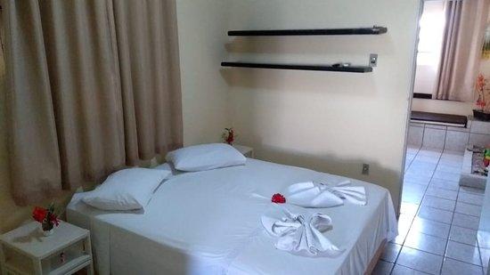 Fernando de Noronha, PE: Quarto Duplo, com ar-condicionado, tv, cama de casal ou cama de solteiro, frigobar e banheiro privativo...