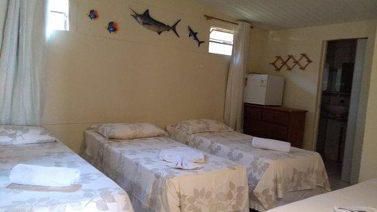 Fernando de Noronha, PE: Quarto Quádruplo, com ar-condicionado, tv, camas de solteiro separadas, frigobar e banheiro privativo...
