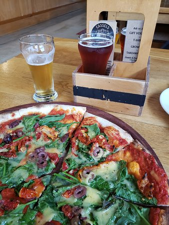 Craft Beer Tour of Christchurch: Beer & pizza!