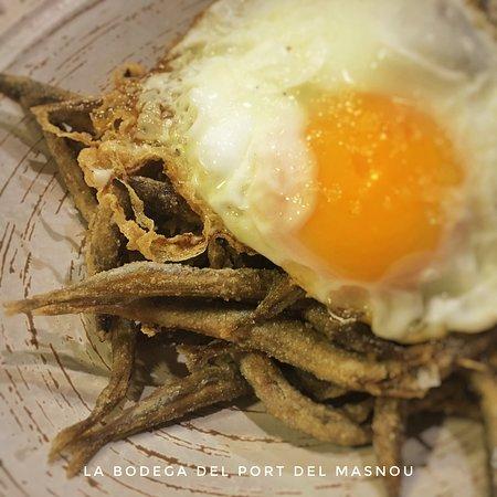 Els ous combinen amb milers d'ingredients, però els heu provat amb sonsos? 😋😋 Los huevos combinan con miles de ingredientes, pero ¿los habéis probado con sonsos? 😋😋 RESERVES / RESERVAS ☎️ 93.540.15.29 📱610.35.91.31 www.labodegadelport.com/reservas #labodegadelport#portmasnou#elmasnou#instafood#gastronomia#charcuteria#maresme#restaurant#photooftheday#tasty#delicious#foodpic#huevofritoconsonsos#ouferratambsonsos