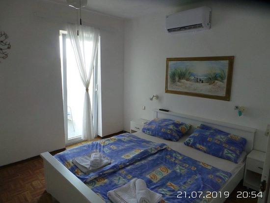 Razanac, โครเอเชีย: Alle Gästezimmer sind mit Klimaanlagen ausgestattet.