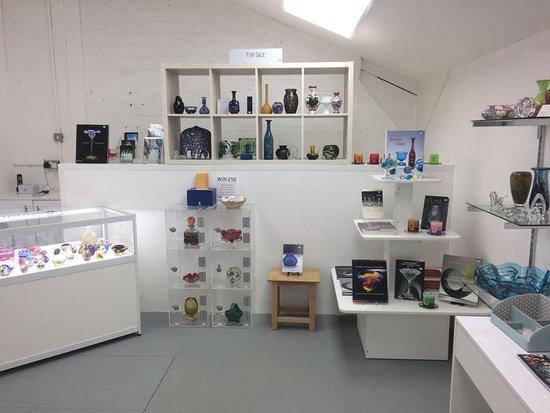 Arreton, UK: The new shop