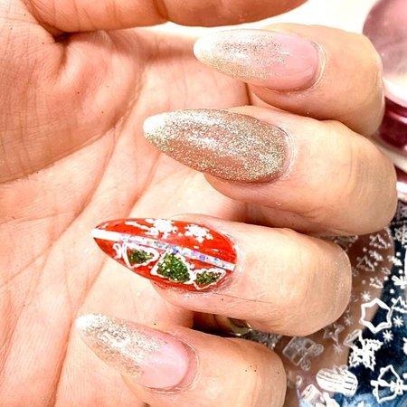 In love with xmass gel nail 👒 we have passion for nail ❤ #tenarovinj #tenails_studio #nailstudio #nailsalon  #gelnail #geliraninokti #gelnokti #gelacidfree #gelbezkiselina #gelpolishhybrid #gelnails #gel #nails #lovemyiob #nailsaddicted #nailsblogger #nails💅 #nailschool #nailsalon #nailsfashion #nailsofinstagram #nailsart #nailstyle #nailsaddict #xmassnails