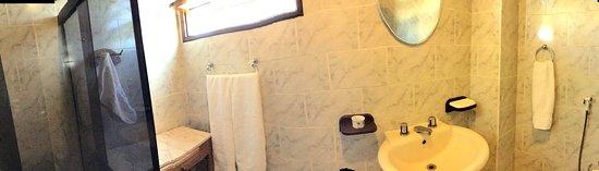 Guarajuba, BA: Banheiro Suite