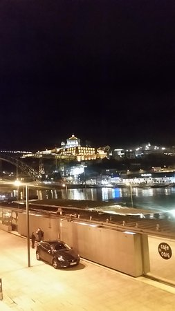 Porto bei Nacht Blick auf das castello