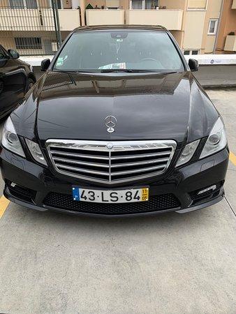 Лиссабон, Португалия: Carro em excelentes condições para efectuar tours e transferes...