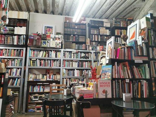 Libreria Cafe La Fugitiva