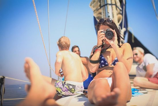 Sail, swim and snorkel on a sailyacht from Zadar - escape crowds...
