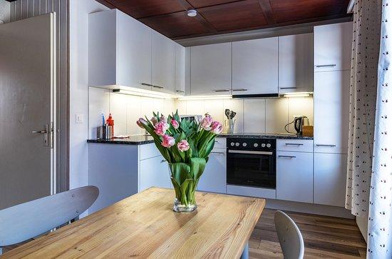 Ula's Holiday Apartments Interlaken - Beatenberg One Bedroom Apartment Kitchen / Dining