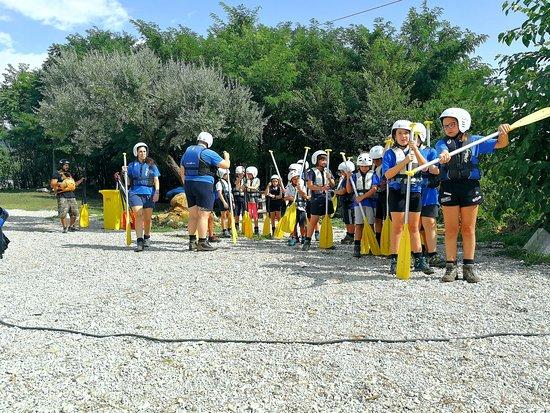 L'attività di Rafting e Paintball sono aperte a gruppi organizzati, scuole, scout, parrocchie e gite scolastiche.