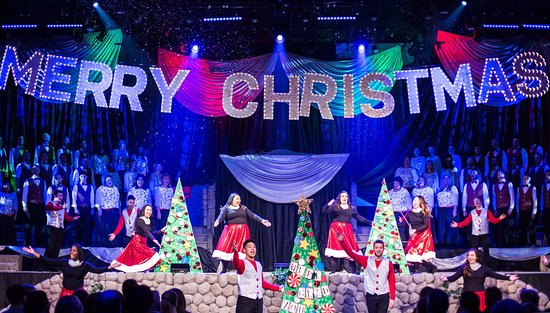 Lake Zurich, IL: Quentin Road Christmas Pageant