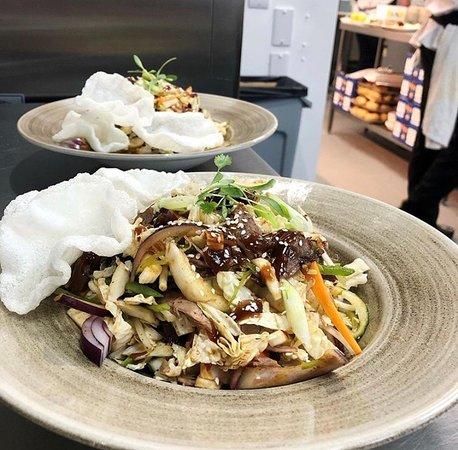 Oriental crispy duck salad