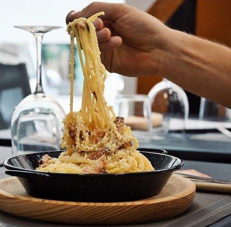 Disfruta en Esosdos de los platos más exquisitos con ingredientes importados directamente desde Italia.