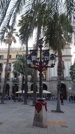 Barcelona, Barrio Gótico, Plaza Real. Fanals (29 de octubre de 2019)