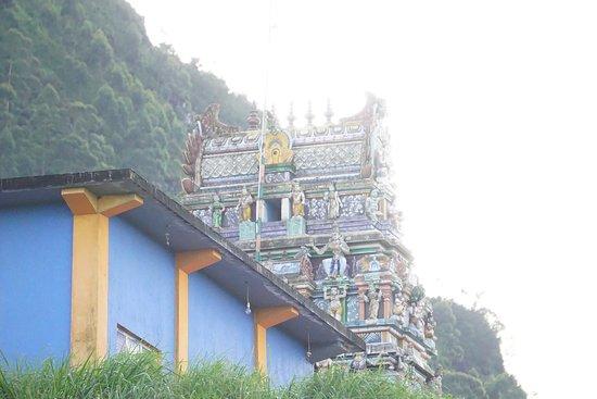 Talawakele, Sri Lanka: Hindu Kovil neat the Great Western