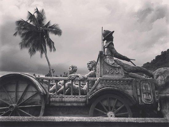 Uthuwankanda, Sri Lanka: mawanella bridge @Saradiel Village Theme Park