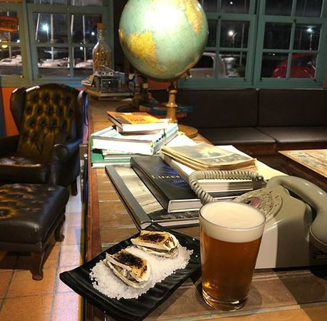 Books & Beers: .