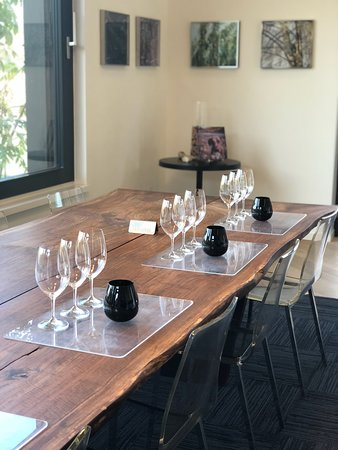 COWHORN Private Wine Tasting