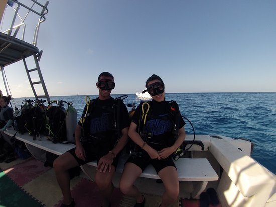 Dive by boat whit us