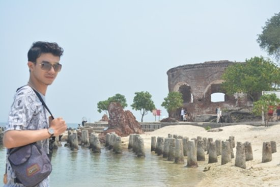 Paket wisata 3 Pulau di Kepulauan Seribu  Kelor, Cipir dan Onrust