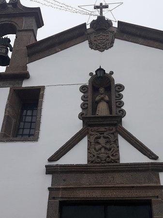 Freamunde, โปรตุเกส: Pormenor sobre a porta principal.