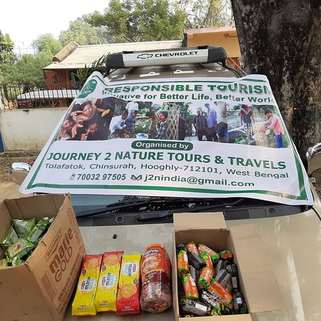 Birbhum District, India: Initiative for Better Life , Better World. Today 15th Dec 2019 : Food distribution at Kankalitala Birbhum, West Bengal.  #j2nresponsible