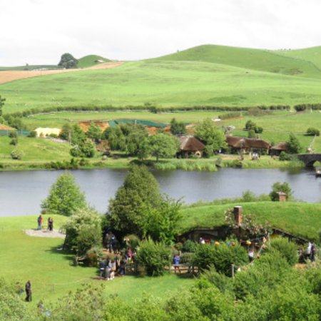 Hobbiton™ Movie Set 2-Hour Walking Tour from Shires Rest: Beautiful verdant scenery!