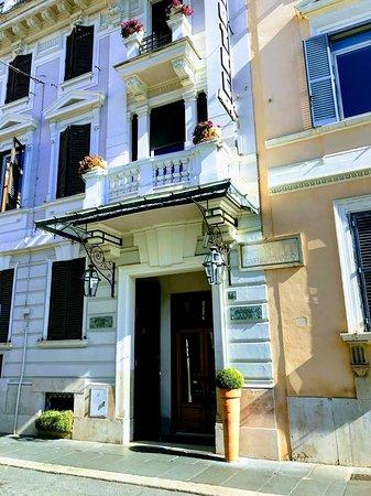 Hotel Alpi Rome Oct2019