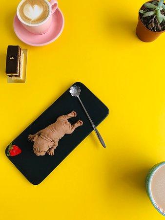 Mousse de chocolate de leche imitación de un perrito