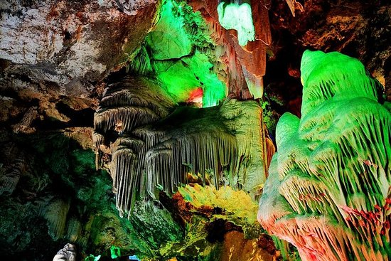 Excursão Privada de Dia a Caverna...