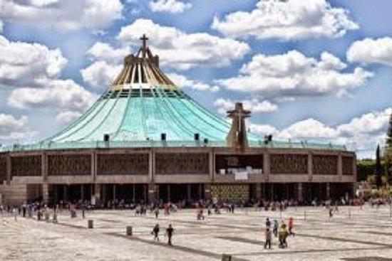 Schrein von Guadalupe und Teotihuacan...