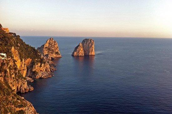 卡普里島和藍洞小團體遊