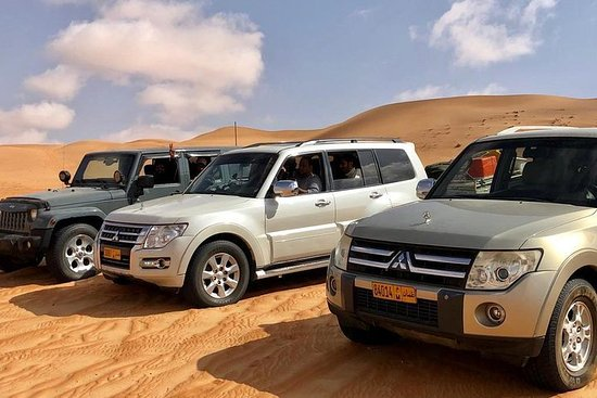 Wahiba Sands Tour with Wadi Bani Khalid...