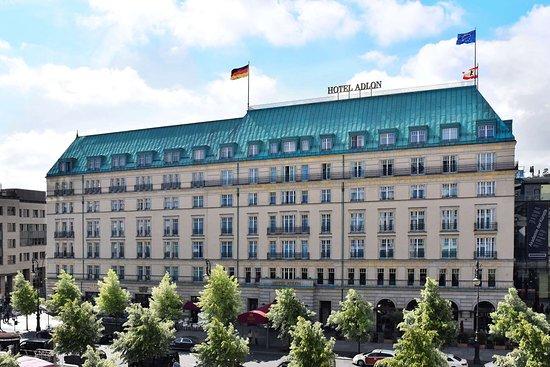 阿德羅恩坎品斯基酒店