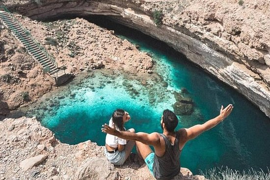 Wadi Shab tour with Bimmah Sinkhole...