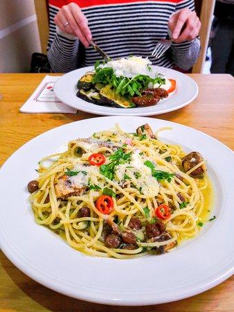 Spaghetti mit Sardinen, Rosinen und Peperoncino. Antipasto Misto. GUSTO Tavola Calda  Friedrich-Ebert-Straße 163  34119 Kassel