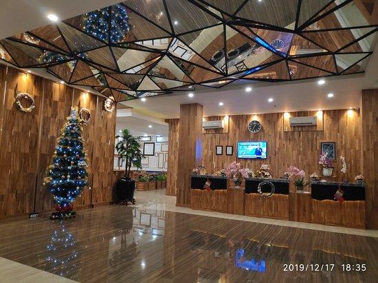 Rembang, אינדונזיה: Pollos Hotel & Gallery