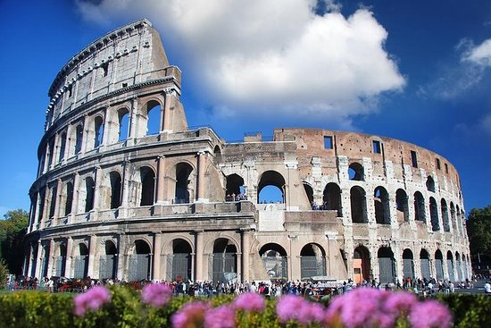Skip the Line: Colosseum Small Group...