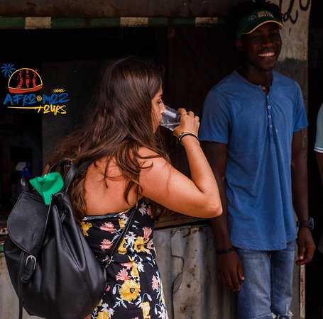 Connecting tourists to the local community 🇲🇿