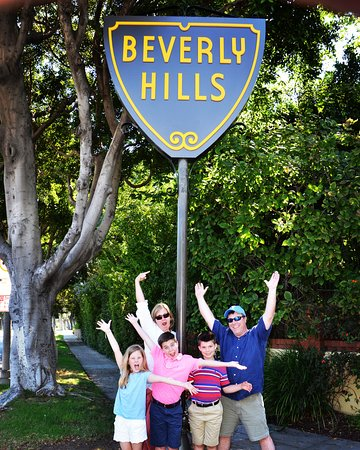 """Families singing """"Beverly Hills"""" by #Weezer with the windows rolled down is not uncommon on our Private Los Angeles Tour!"""