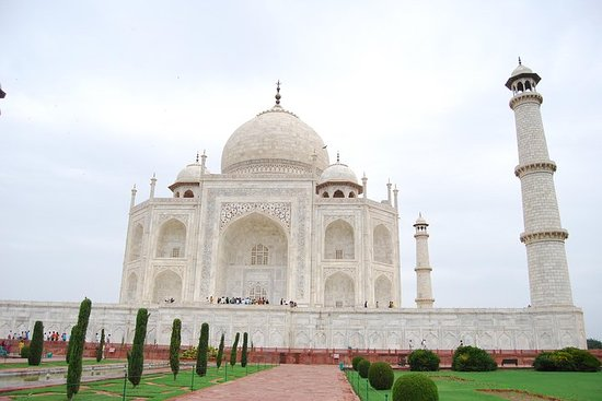 Same Day Agra Tour With Lunch & Entrance