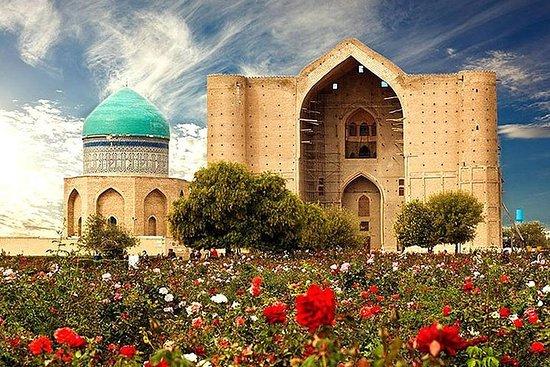 Mausolée mondialement connu dans la ville de Turkestan, excursion...