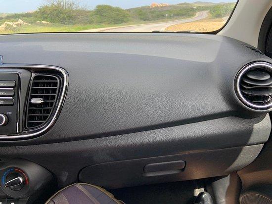 Sixt: 3rd car - no passenger airbag