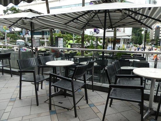 Outdoor Seating Picture Of The Coffee Bean Tea Leaf Singapore Tripadvisor