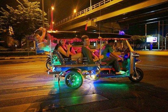 TUK-TUK(多言語)によるバンコクの夜景