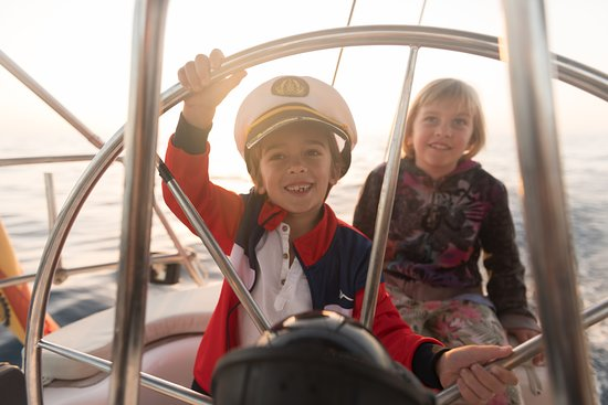 Kids are welcome on our boat trips.