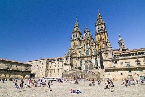 ポルトから:Santiago de Compostelaプライベートツアー