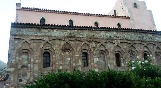 Chiesa Arabo Normanna dei Santi Pietro e Paolo - Itala.