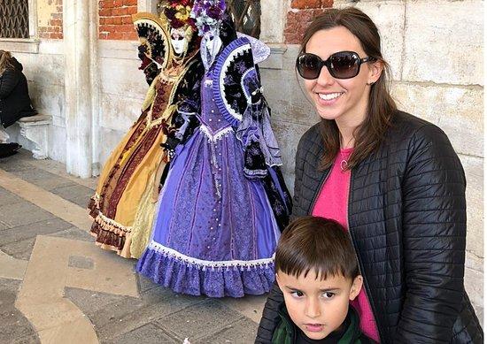 Venice, Italy: Como é o carnaval em Veneza? É um evento para a família? Adianto que é bem diferente da versão brasileira, mas que é muito bacana, confira no link - http://turismoemfamilia.com.br/carnaval-em-veneza/